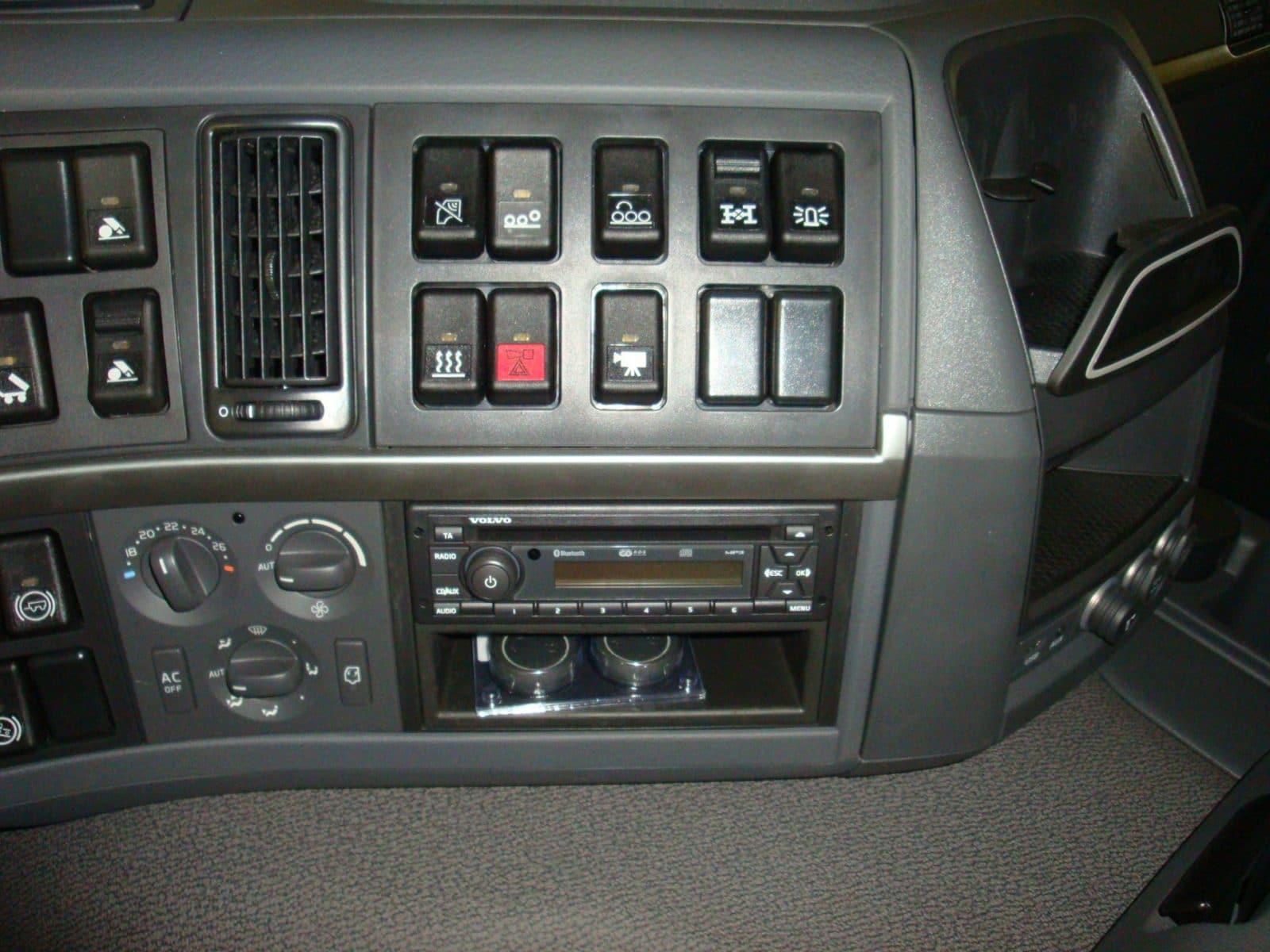 1004301-hinz-demo-32