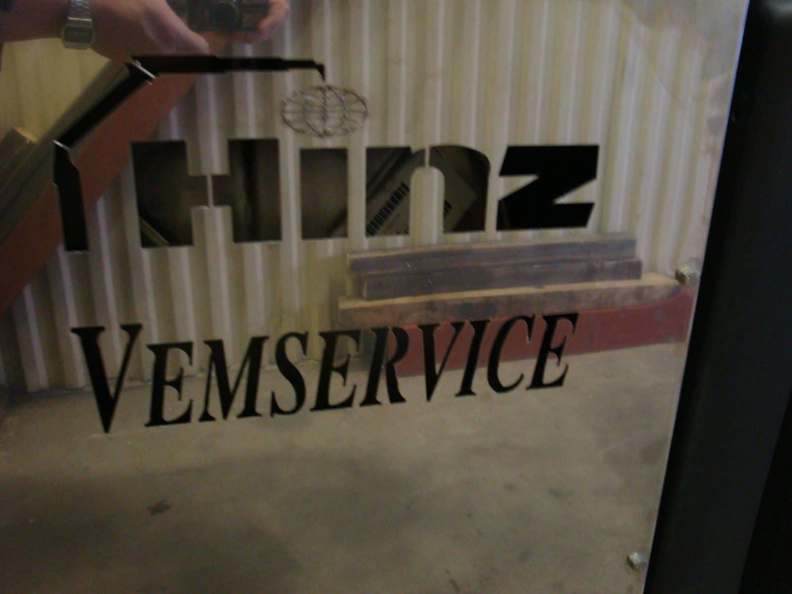 1004301-hinz-demo-37